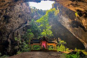 Thailand - Jack Daniels Group - At Phraya Nakhon Cave @Jo Aigner
