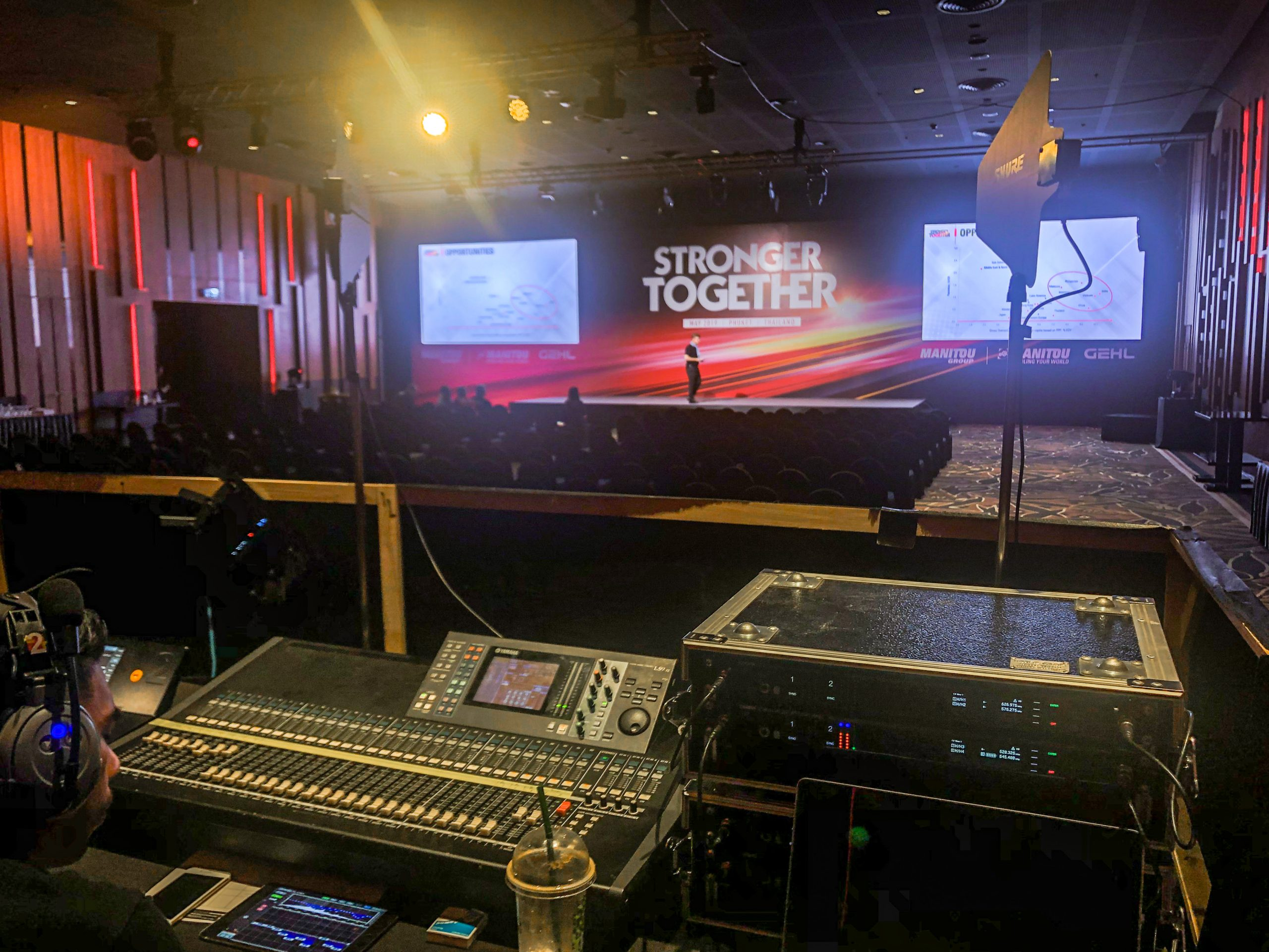 Thailand - Manitou Event - Audio Visual Production Desk Phuket @Jo Aigner